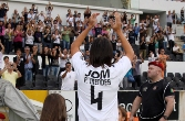 Pedro Mendes receives standing ovation upon re-signing for Guimaraes